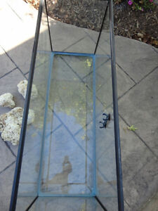 "Hagen Glass Aquarium or Terrarium 35 Gal -36""L x 12.5""W x18"" Kitchener / Waterloo Kitchener Area image 4"