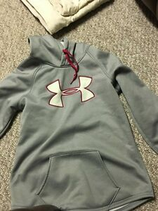 small under armour hoodie
