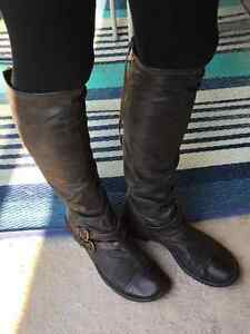 Ladies distressed brown leather boots