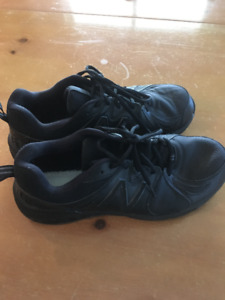Men's Sneakers - New Balance 857 - size 11