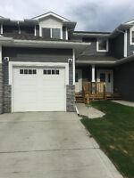 Luxury Townhome~South Red Deer~Pet Friendly