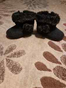 Cute Boots size 5 London Ontario image 1