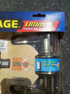 NEW SCHLAGE DOOR ENTRY LOCK SET!!