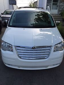 2008 Chrysler Town N Country