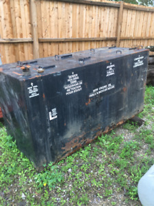 SERVICE TRUCK OIL TANK WITH COMPARTMENTS ONLY $500