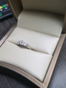 Selling old engagement ring