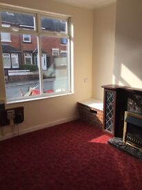 2 bed house to let Cromartie street
