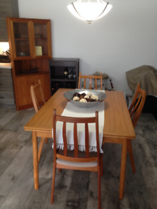 Beautiful teak dining table & chairs
