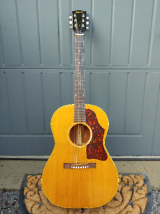 LG3 Gibson Vintage Acoustic  1956