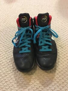 Men's Nike N7 Flywire Basketball Shoes size 7.5