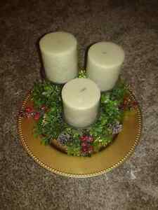 NEW CHRISTMAS/ WINTER BERRY CANDLE HOLDER CENTERPIECE  Kitchener / Waterloo Kitchener Area image 1