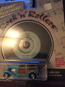 Johnny Lightning with CD