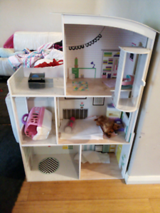 Dolls house Joondanna Stirling Area Preview