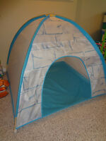 $35 - IGLOO TENT for Kids. Mint Conditions. Value $65. Save $$