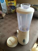 2 small blenders for sale