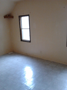 $950 Beautiful 2 bedroom apartment for rent (46 francis st