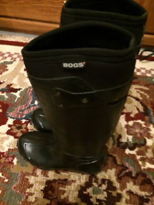 Great looking Boggs, black, size 7, worn once