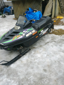 Arctic cat zr700 runs great