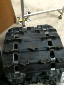 146 ripsaw 2  snowmobile track