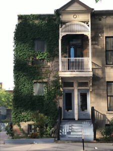 Room w Private Balcony for April w great roommates! Milton Park