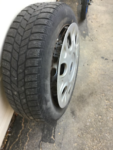 Mini Pirelli Winter Tires (4) on Rims With HCaps - 200$ or bo