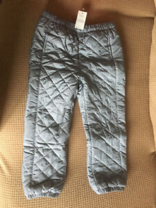 Size 4 toddler girl snow pant in excellent condition