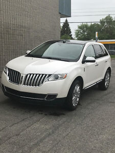 Very clean 2012 Lincoln MKX- Panoramic Roof Full Load!
