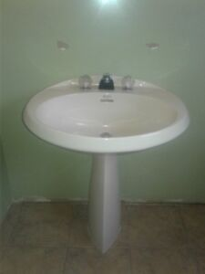 pedestal sink for bathroom with or without delta faucets