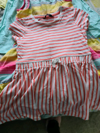 Girls clothes. Age 3 -5 years