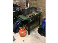Gas BBQ (no coals)