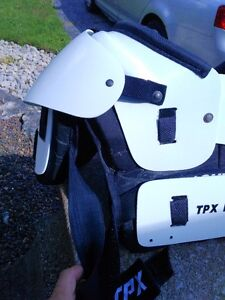 FOOTBALL TPX M-L CHEST PROTECTOR Windsor Region Ontario image 8
