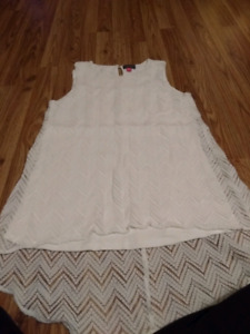 Lace white blouse. Size small.
