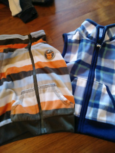 Lot Vêtements - Carters (9 mois)