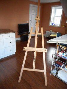 Large Art Easel--as new!