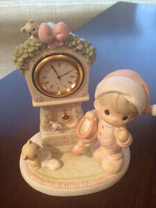 Precious Moments **It's Almost Time for Santa Clock** 532932