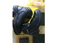 Men's Size 8.5 Dunlop Steel Toe Boots