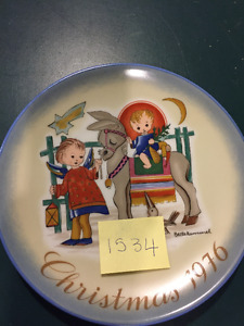 2 Limited Addition Hummel Christmas Plates 1975 and 1976