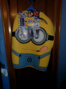 Minion costume for boy or girl sixe 8-10