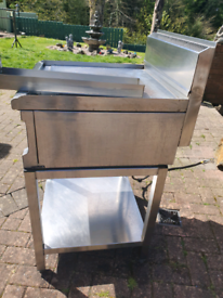 LARGE GRIDLE/HOT PLATE ON STAND
