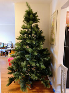 7.5 Foot Artificial Christmas Tree