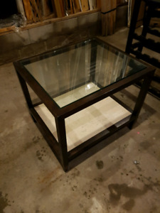 Lazy Boy End table. Very nice coated steel with tile bottom.