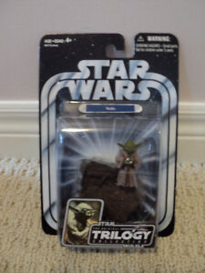 Star Wars Trilogy Yoda with backpack, cane *NEW IN BOX*