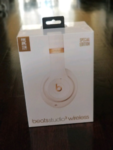 Studio 3 wireless Beats by dre special edition