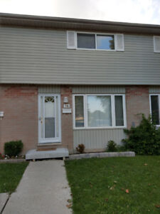3 bedroom townhouse for rent by White Oaks