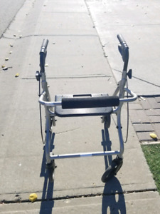 Light weight walker with Seat and brakes!