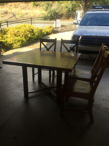 Beautiful Beachcomber Dining Table & 4 Chairs