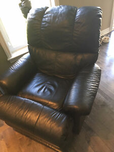 2 Matching Recliners (Sold PPU)
