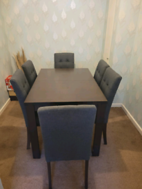 Brown Dining Table 4/6 Seater