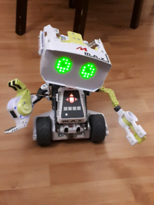 Meccano - M.A.X Robotic Toy with Artificial Intelligence