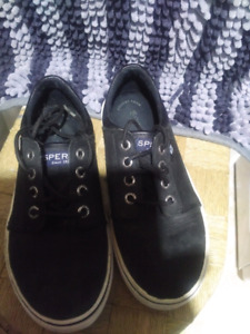 Boys leather black white sneakers sperry size 2